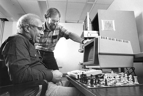 Hans Berliner (left) and Carl Ebeling developers of the HiTech computer chess system at Carnegie Mellon University