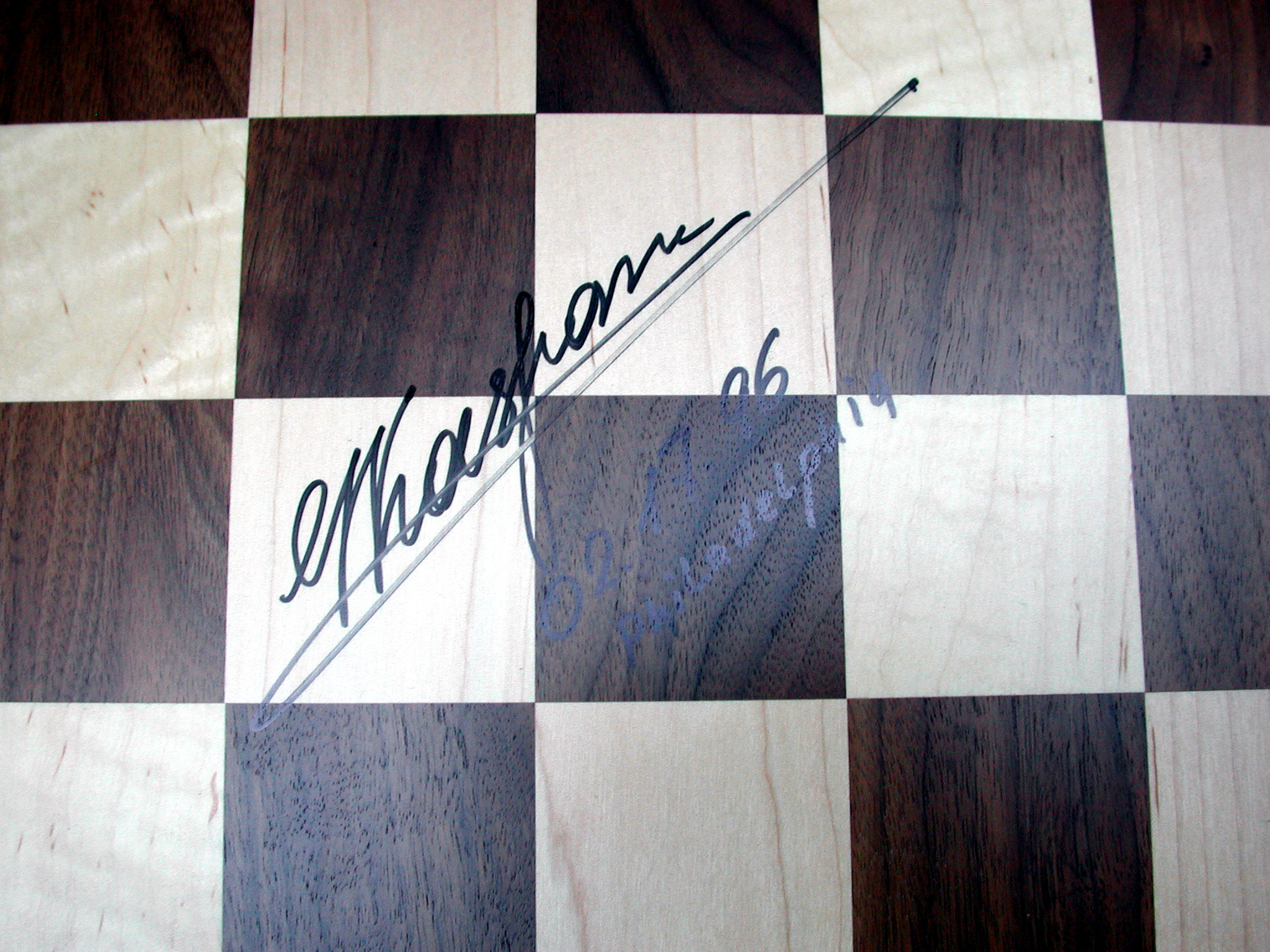 Chess board and pieces kasparov vs deep blue 1996 l2005 3 1 close up