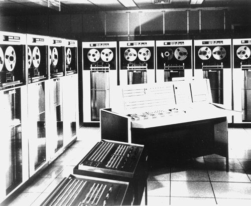 http://archive.computerhistory.org/resources/still-image/Bell_Labs/Bell_Labs.IBM_7090_computer.102627248.lg.jpg