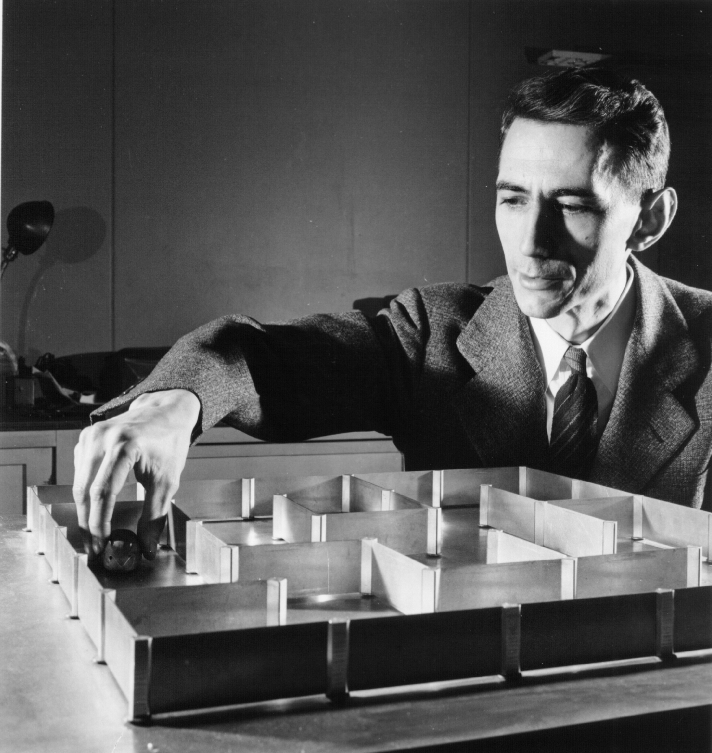 claude e shannon and information theory