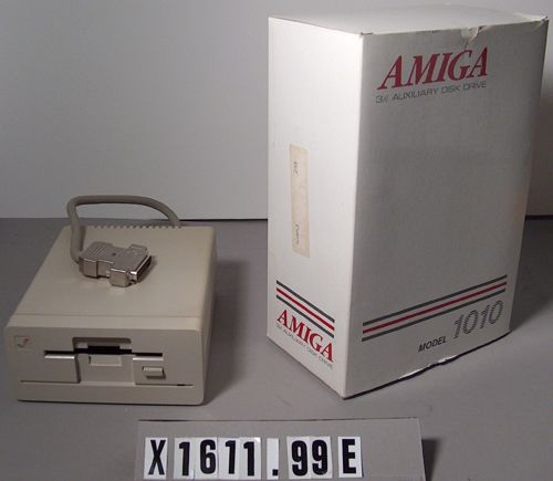 Amiga 1000 Personal Computer External 3 1/2-inch Floppy